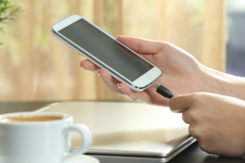 Cara merawat baterai ponsel agar tidak cepat rusak