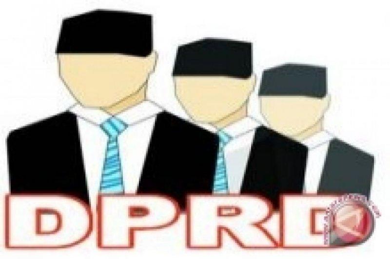 Dari 45 anggota DPRD, hanya lima hadiri sidang paripurna