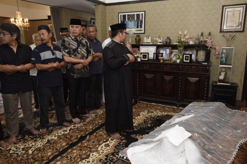 Istri Gubernur Jabar ke-sembilan meninggal dunia
