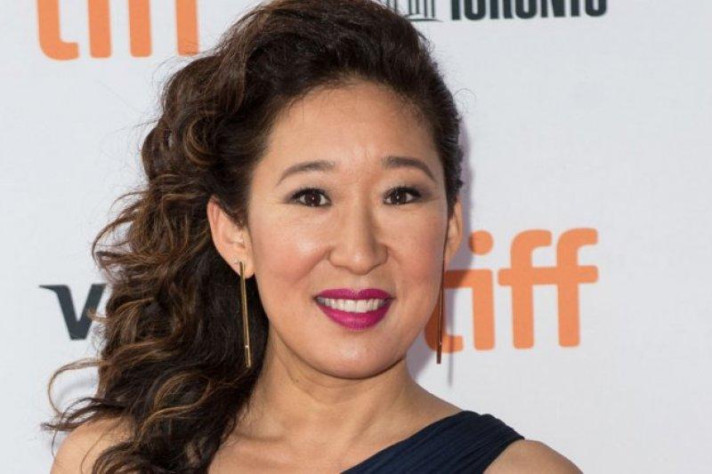 Ini aktris Asia pertama yang masuk nominasi Emmy Awards