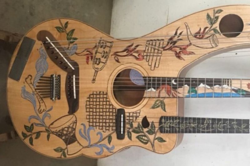 Guiharpulele, alat musik karya  I Wayan Tuges diminati dunia