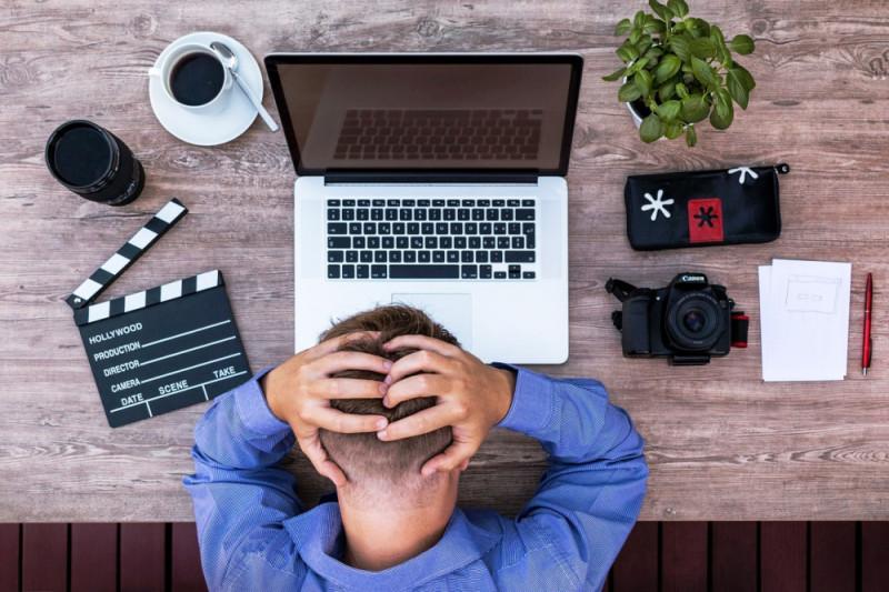 Cara atasi sakit kepala akibat melihat layar komputer