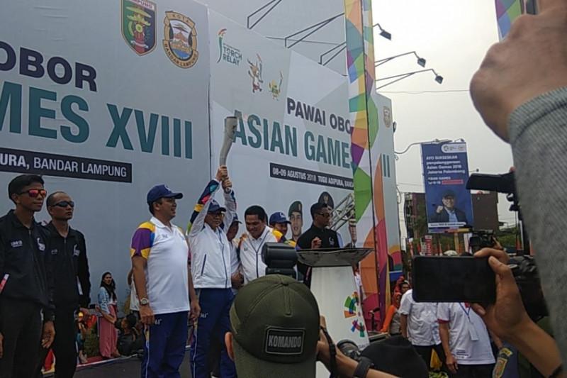 Obor Asian Games 2018 sampai tugu Adipura Bandarlampung