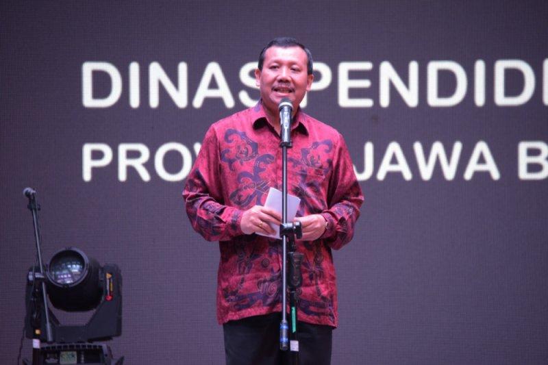 Enam kepala daerah dilantik di Gedung Merdeka 20 September