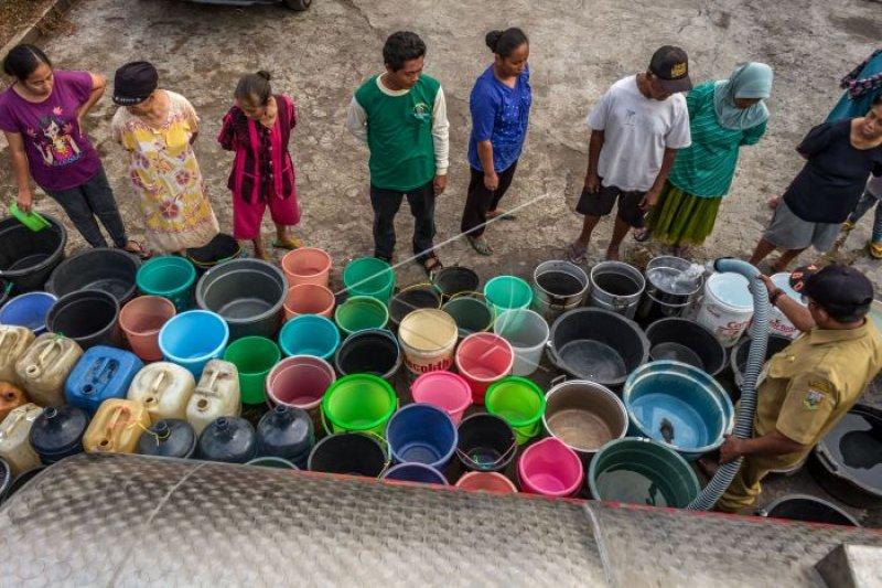 Pemkab Gunung Kidul kirim air bersih di daerah dilanda kekeringan