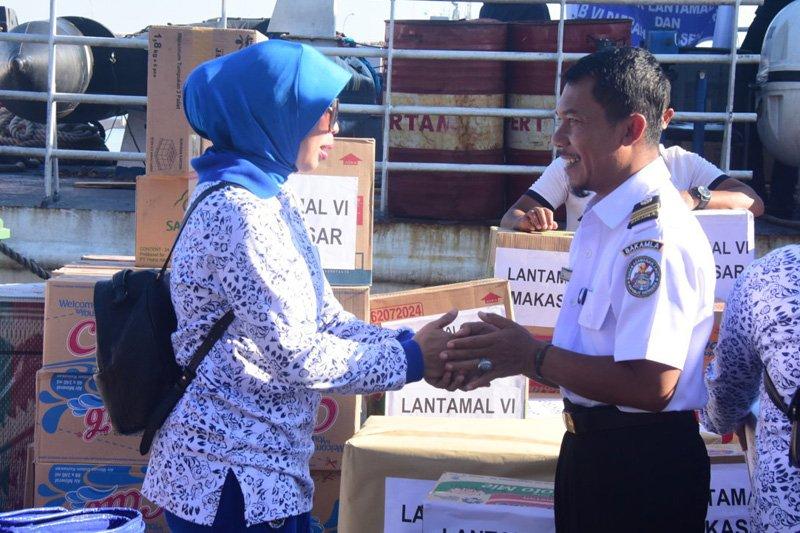 Korcab Jalasenastri antarkan bantuan korban bencana Lombok