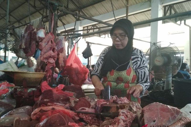 Kebutuhan daging di Semarang naik empat kali lipat