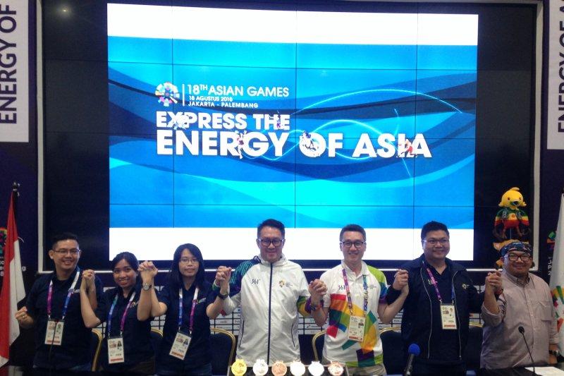 Suvenir Asian Games di GBK Laris Manis