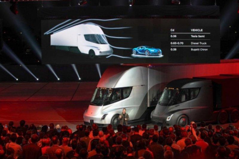 Tesla akan kembangkan van listrik dengan 12 penumpang