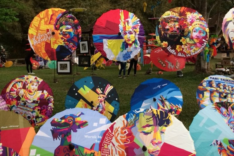 Teduhkan Keberagaman Dalam Festival Payung Indonesia 2018 Antara News
