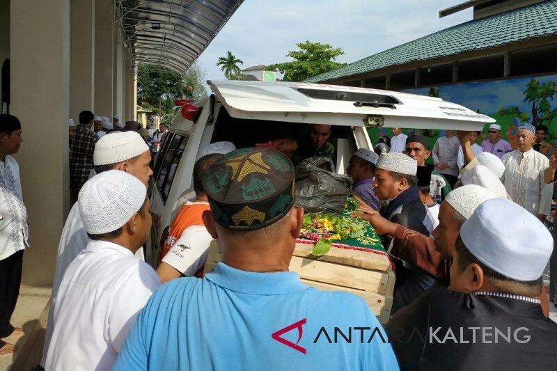 Ambruk saat shalat Jumat, imam Masjid Jami Sampit wafat