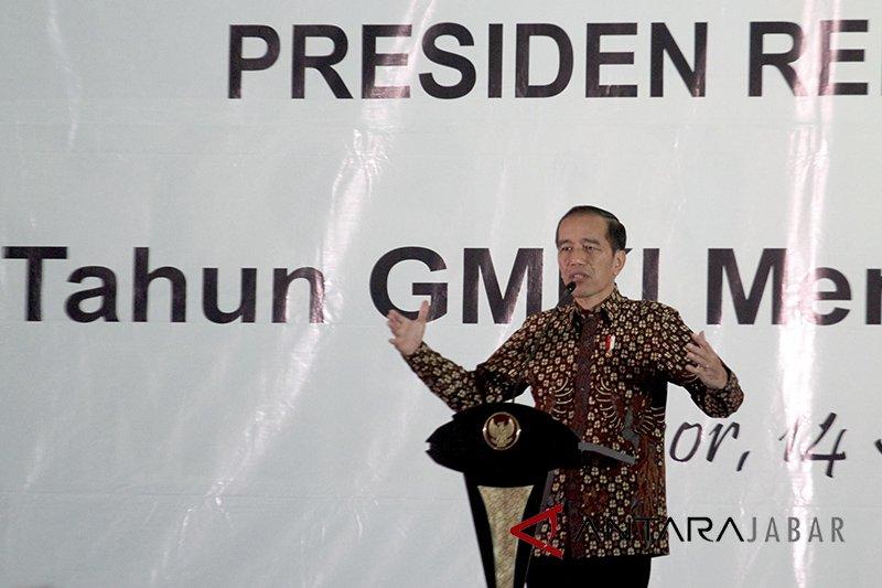 Jokowi minta pengusaha muda berhijrah