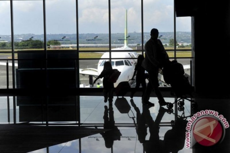 Penerbangan di Bandara Mamuju turun 37,56 persen