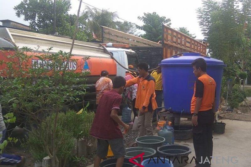 Kekeringan, tiga desa di Kudus kesulitan air bersih