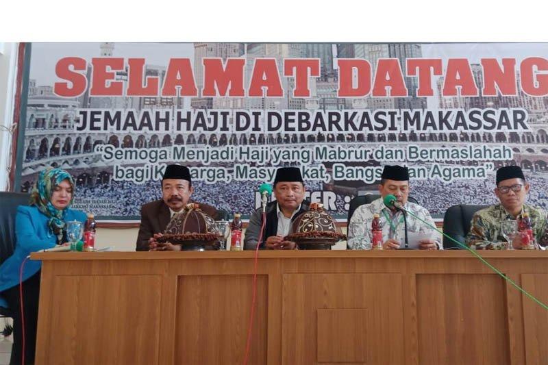 Jemaah haji kloter 03 debarkasi Hasanuddin tiba di Makassar