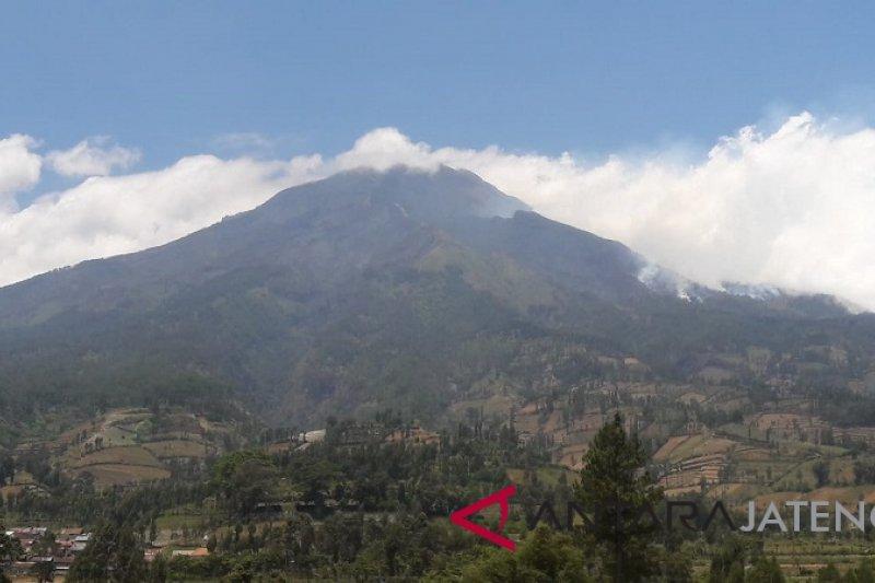 Empat pendaki Gunung Sumbing  mengalami hipotermia