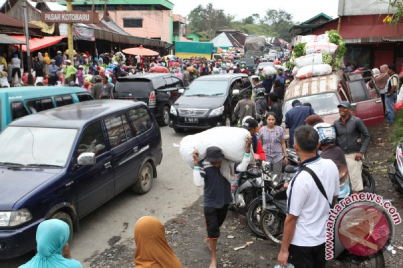 Polisi berlakukan jalan satu arah di Koto Baru hindari kemacetan