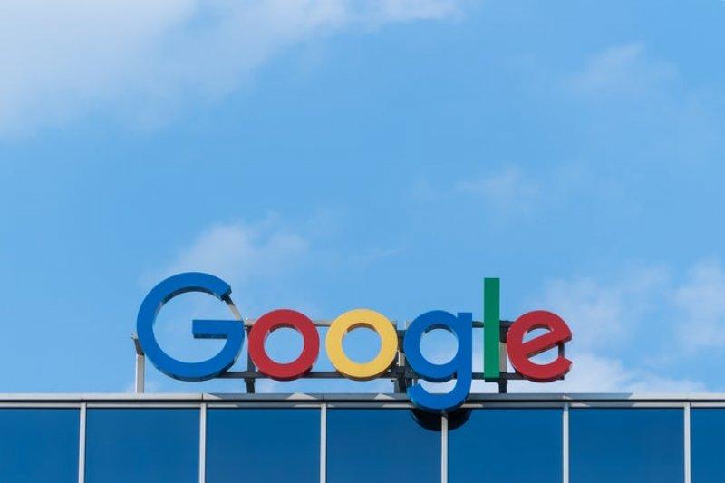 Patuhi aturan, Google mulai pungut biaya per ponsel