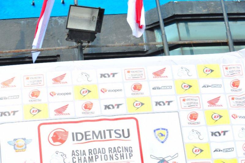 Pebalap Astra Honda Persembahkan Double Podium di ARRC Sentul