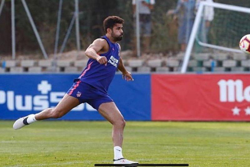 Diego Costa alami cedera hamstring