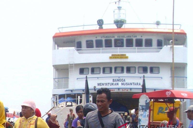 Syahbandar: Penyeberangan Jepara-Karimunjawa lancar