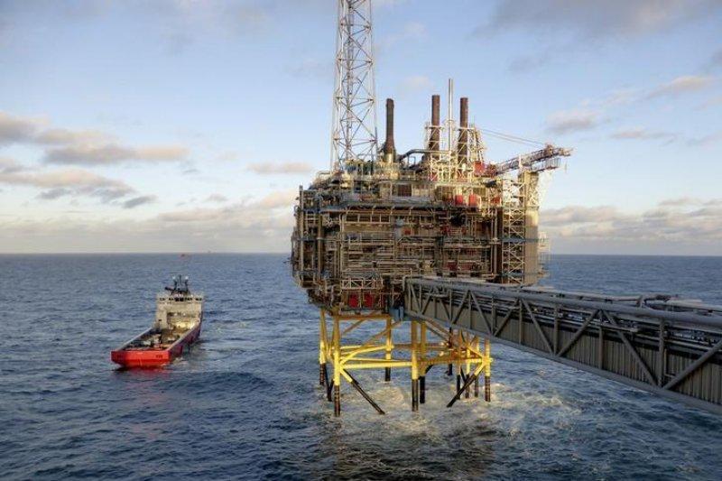 Harga minyak naik dunia naik 2,7 persen