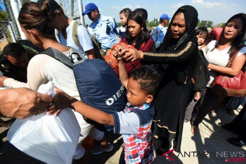 5.000 pengungsi Palu transit di Mamuju Sulbar