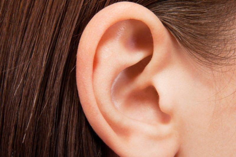 Telinga berair dan merasa pusing? Waspada radang telinga