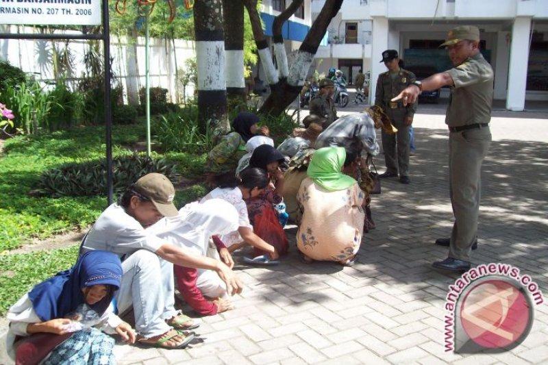 Kantongi Rp194,5 juta, seorang pengemis 'tajir' ini ditangkap
