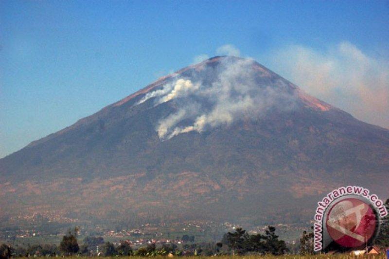 Wisatawan Gunung Sindoro dilarang bawa tisu basah