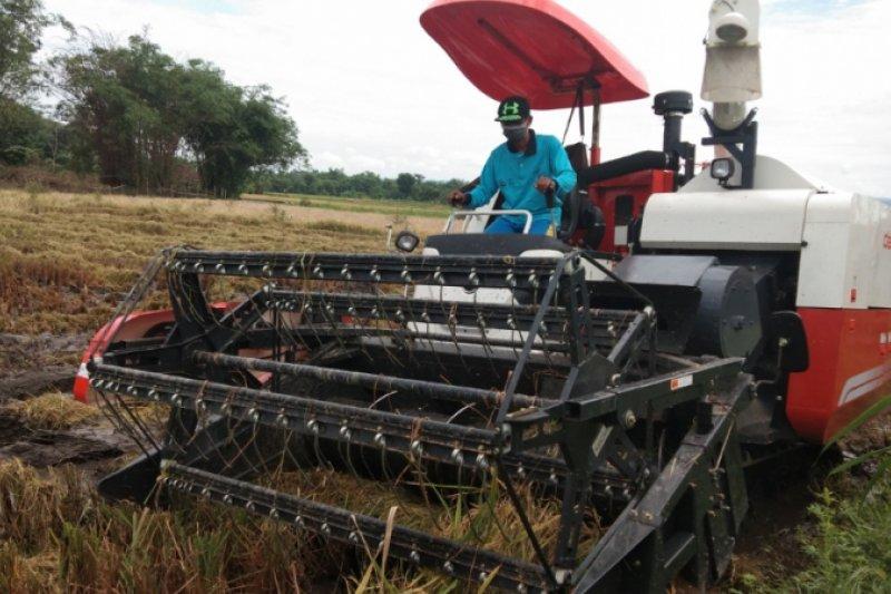 UGM kenalkan mesin pertanian kepada petani di Bantul