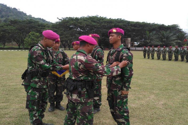112 Prajurit Marinir naik pangkat