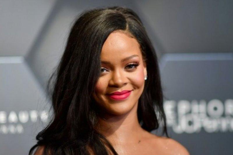 Rihanna minta Trump berhenti gunakan musiknya dalam kampanye