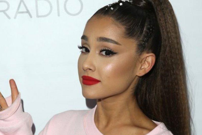 Top Female Artist Billboard 2019 diduduki Ariana Grande