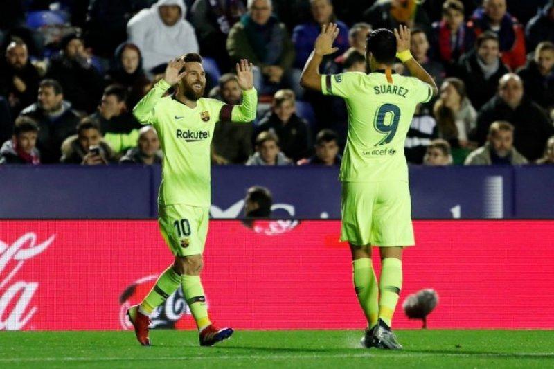 Gasak Levante, Messi kemas trigol