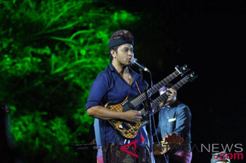 Warga Ekuador terpukau dengan seniman Bali