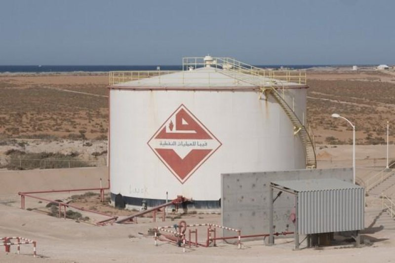 Harga minyak reli didorong pelemahan dolar dan ketidakpastian pasokan Iran