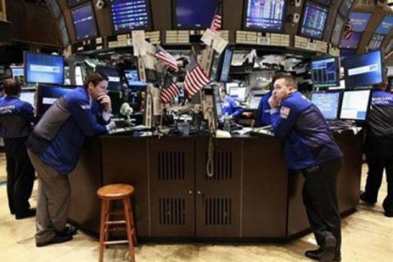 Naiknya saham teknologi sebabkan Wall Street menguat