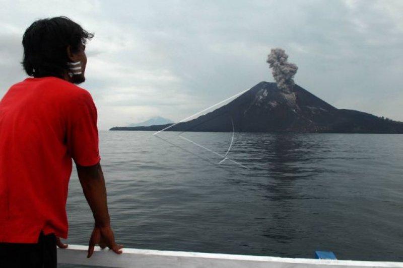 Mencari sebab tsunami Selat Sunda