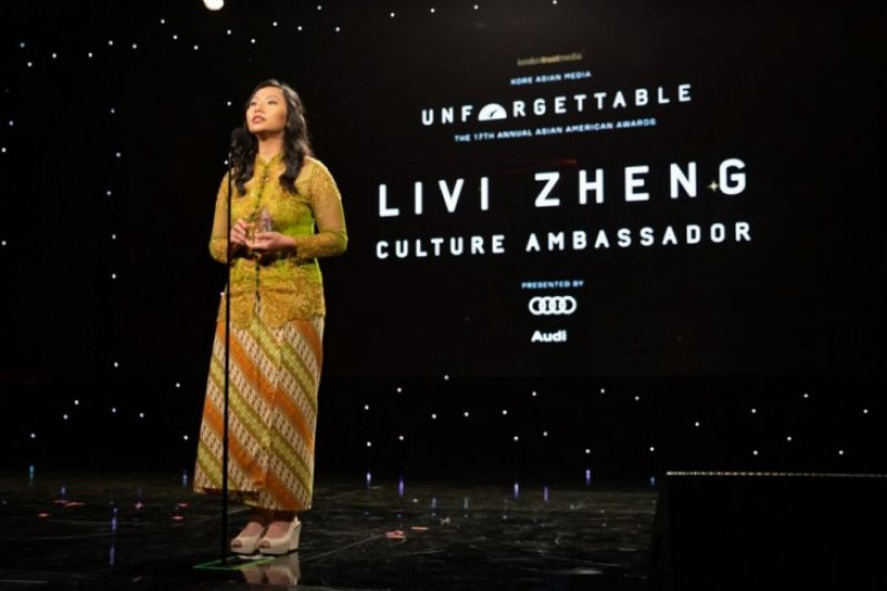 Livi Zheng raih penghargaan di The Unforgettable Gala