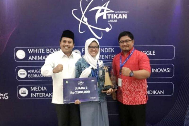 Siswi SMAN Kota Bogor raih anugerah Atikan Jabar 2018