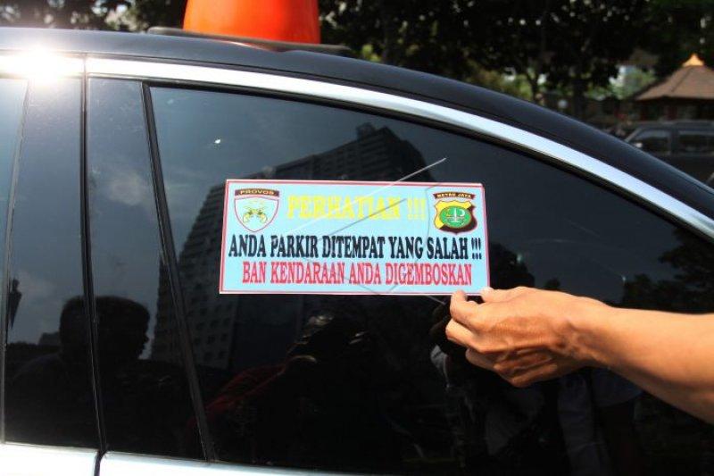 Dishub Mataram atasi parkir kawasan Cakranegara