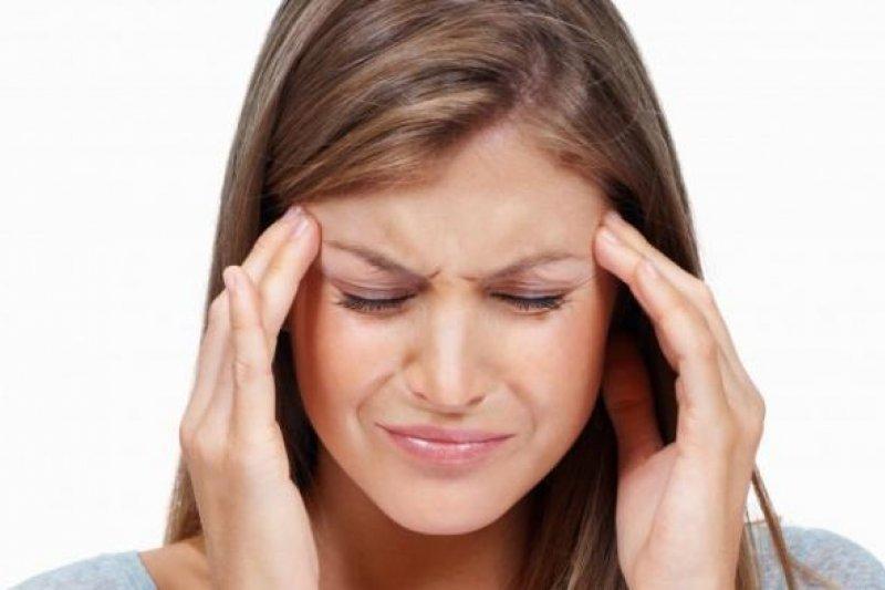 Fakta terkait sakit kepala setelah minum air es