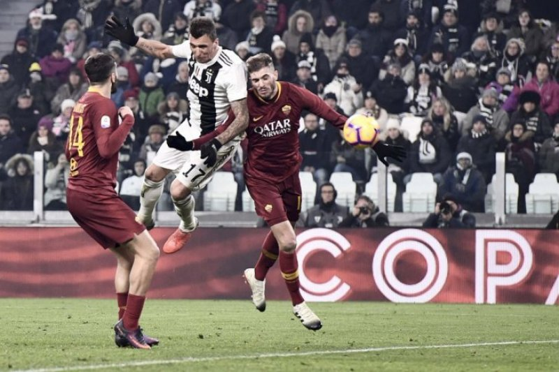 Manchester United dan Sevilla bersaing mendapatkan Mandzukic