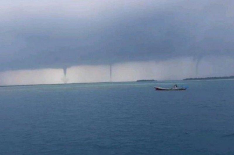 BPBD DKI Jakarta keluarkan peringatan potensi angin puting beliung pada Selasa hingga Rabu