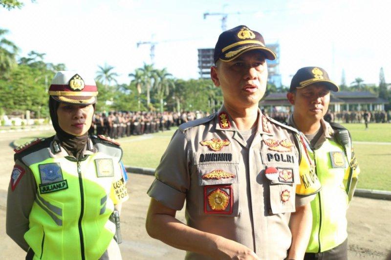 Warga Dusun Senaru bangun rumah darurat