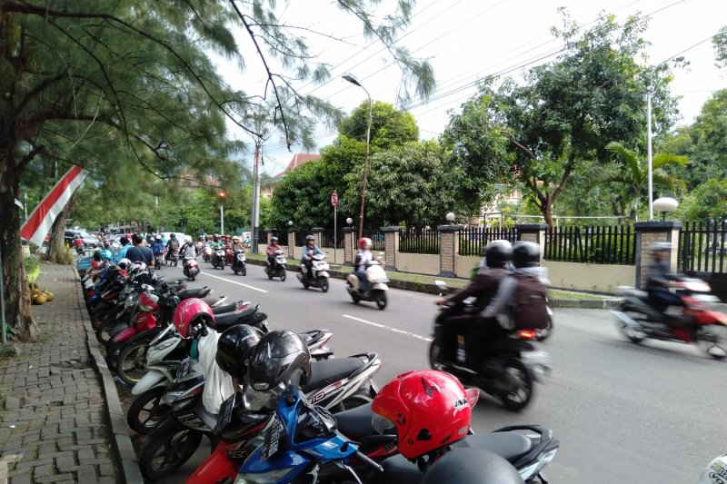 Pengamat: DP kendaraan 0 persen berdampak kemacetan