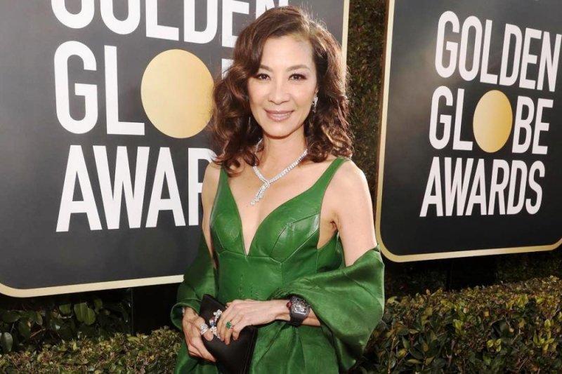 Michelle Yeoh Pakai Cincin Crazy Rich Asians Ke Golden Globes Antara News