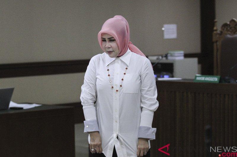 Akhirnya istri mantan Sekretaris MA Nurhadi penuhi panggilan KPK