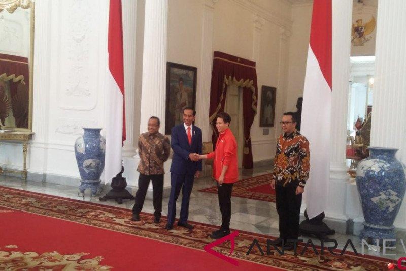 Jokowi terima Liliyana Natsir di Istana Merdeka